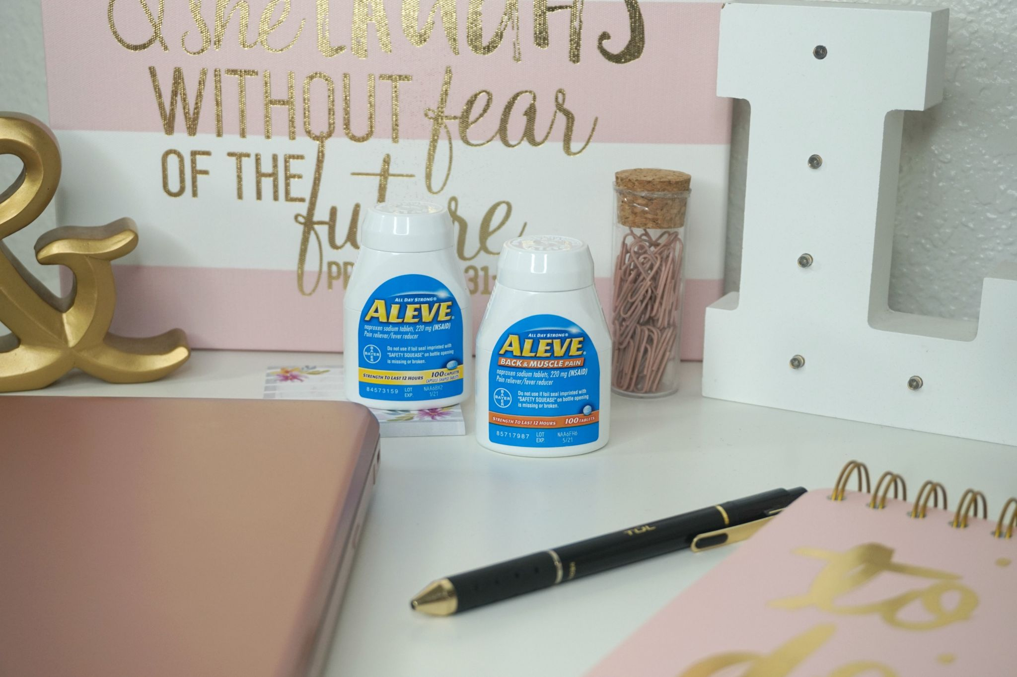 Day In The Life Of A Bloggers Weekend // Blogger Tips // Blogging 101   Beauty With Lily #ad #NeverBackDown #Aleve