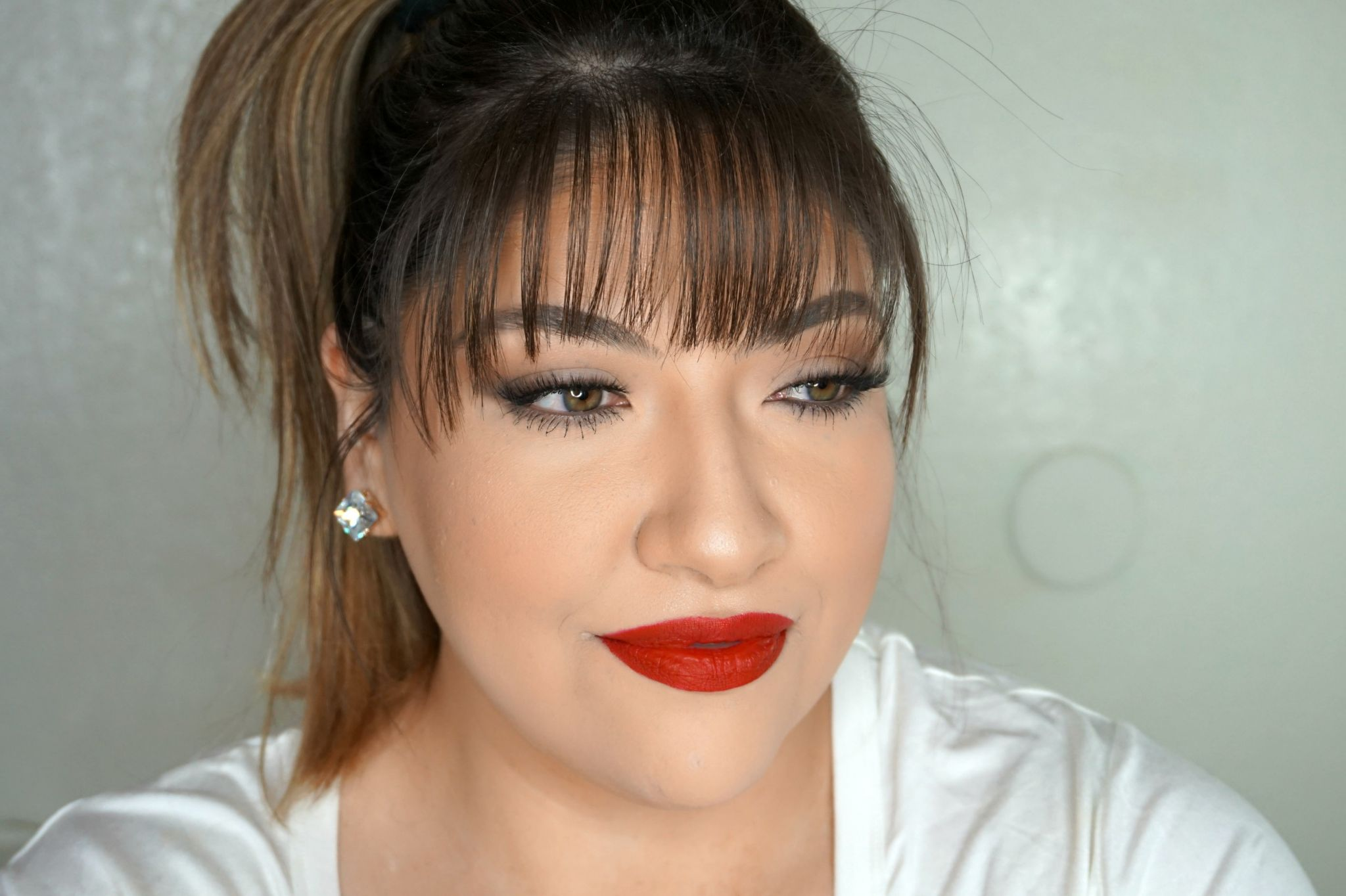 Simple Christmas Makeup Look // Simple Red Lip Makeup Look // Simple Makeup // Easy Makeup Look // Classic Makeup // Glam Makeup   Beauty With Lily