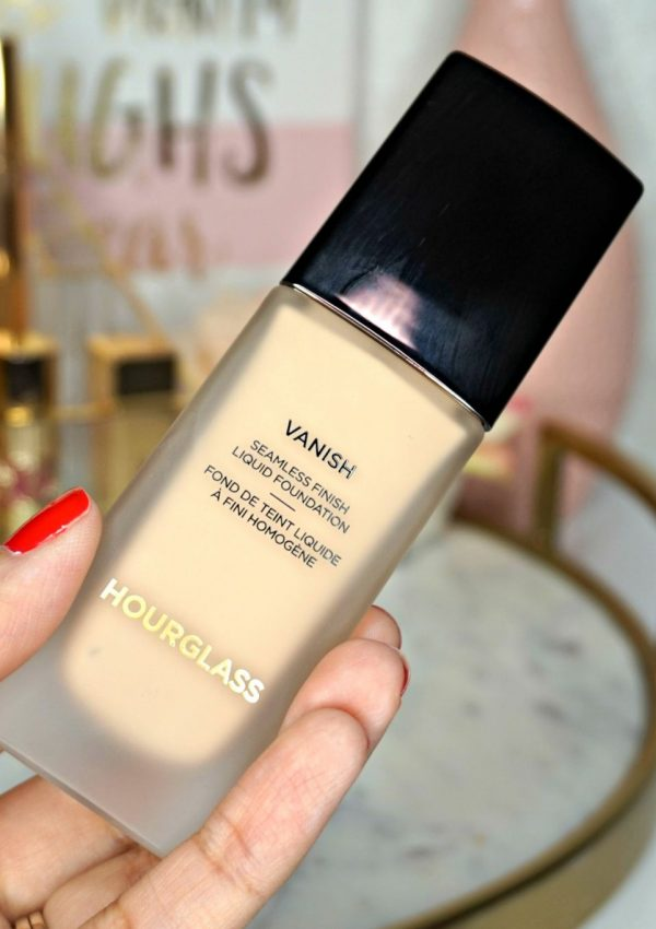 Hourglass Vanish Liquid Foundation Review // Beauty Review // Makeup Review // Foundation for Oily Skin // Foundation for Combo Skin | Beauty With Lily | #makeupreview #beautyblogger #beautyreview