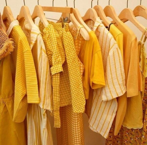 Golden Yellow Trend // Trend To Try Yellow // Summer Fashion // Fall Fashion // Summer to Fall Fashion // Transitional Fashion Pieces // Colorful Fashion // Outfit Ideas | Beauty With Lily